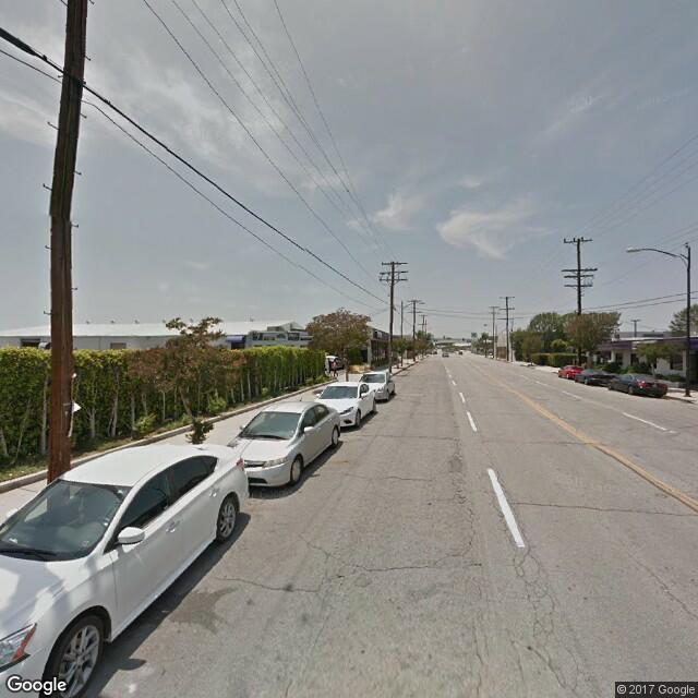 3401 Winona Ave
